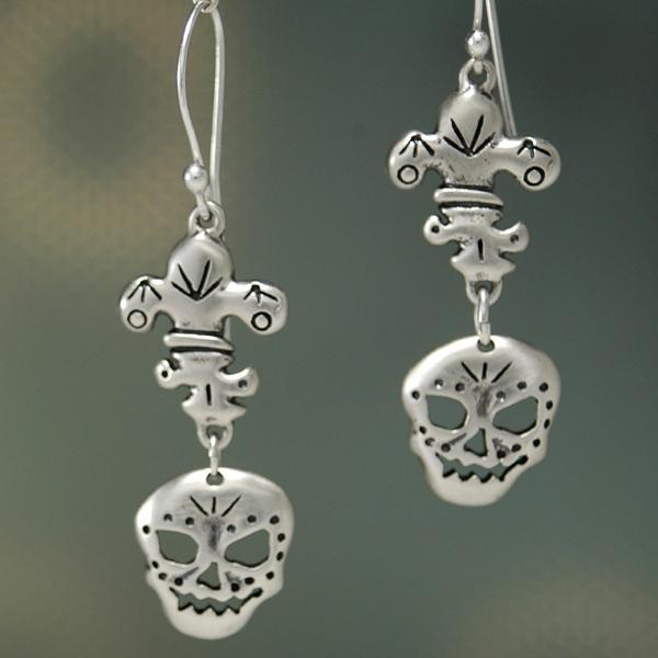 577c561154 Fleur de Skull Earrings - JJS Jewelry marketplaceJJS Jewelry marketplace